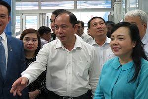 Bộ trưởng Bộ Y tế đến thăm Trạm y tế phường 11 và phòng khám đa khoa DHA Medic