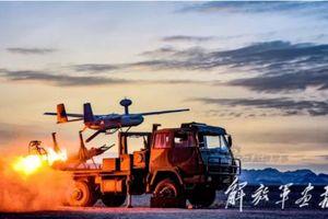 Quân đội Trung Quốc bất ngờ tập trận cực 'khủng' tại Tân Cương