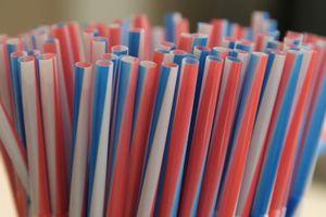 Châu Âu lên kế hoạch cấm đồ nhựa sử dụng một lần