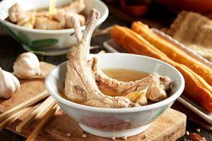 Khám phá ẩm thực Singapore qua món Bak kut teh