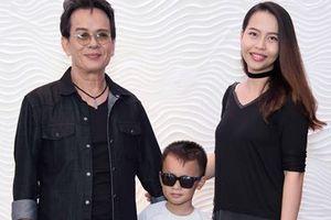 Nhạc sĩ Đức Huy 'khoe' vợ kém 44 tuổi và con trai
