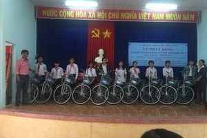 Vikoda tặng 20 chiếc xe đạp cho học sinh nghèo hiếu học