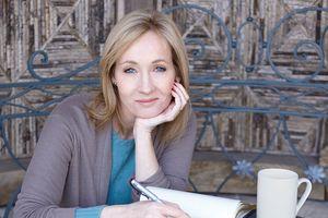 J.K. Rowling: Bà mẹ đơn thân thất nghiệp thành nhà văn tỷ phú