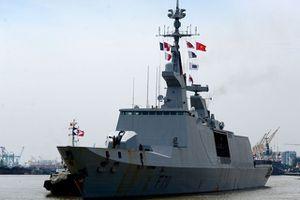 Cận cảnh hai tàu chiến Pháp cập cảng tại Việt Nam