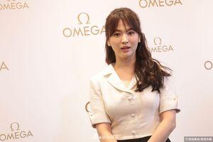Bị chê chân to, Song Hye Kyo vẫn tỏa sáng tại sự kiện ở Hồng Kông
