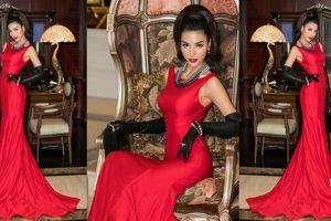 Khả Trang hóa quý tộc kiêu kì ngồi hàng ghế giám khảo chương trình Người mẫu Thời trang VN 2018