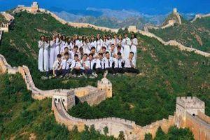 Bộ kỷ yếu du lịch khắp thế giới gây sốt mạng xã hội