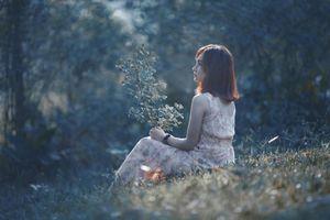 Sống với chồng vô tâm, hãy học cách tự thương lấy mình