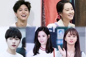 Tại sao Park Bo Gum, Go Ara, Kim So Hyun cùng loạt diễn viên Hàn chấp nhận dội xô nước đá lên đầu?