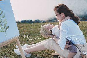 Bộ ảnh 'Mom and Hip' chứng minh 'con trai là người tình kiếp trước của mẹ'