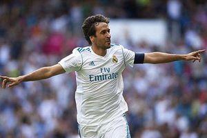 Raul và Roberto Carlos tái xuất, đội huyền thoại Real thắng trận 2-1