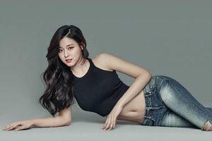 Mặc crop top đơn giản nhưng gợi cảm như 'nữ thần Kpop' Seolhyun