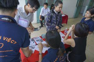 Doanh nghiệp mang hơn 1.000 việc làm về trường cho sinh viên