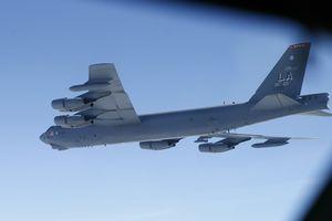 B-52 Mỹ bay gần Trường Sa
