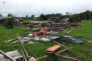 Lốc xoáy làm sập, tốc mái nhiều nhà dân ở Đồng Nai