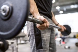 Ham tập gym, thiếu niên bị phá hủy mô cơ