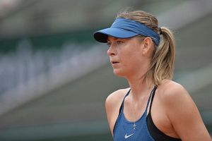 Maria Sharapova, Serena Williams cãi vã vì tự truyện