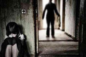 Xóm làng bàng hoàng nghi án cha hiếp dâm con gái ruột 9 tuổi