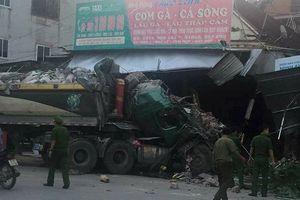 Nghệ An: Xe tải tông sập liên tiếp 3 nhà dân trong đêm