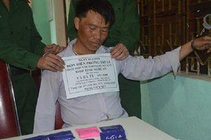 Nghệ An: Bắt đối tượng vận chuyển hơn 1.000 viên ma túy tổng hợp