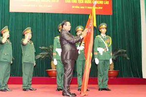 Quân khu 5 đón nhận Huân chương Lao động hạng II của Nhà nước Lào