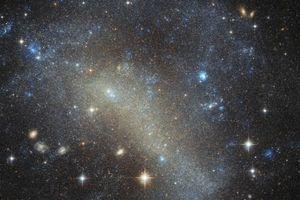 Loạt phát hiện cực thú vị về thiên hà lùn IC 4710