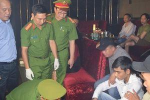 50 thanh niên dương tính ma túy trong quán bar ở Huế
