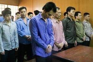 Cưỡng đoạt tiền của người bán dâm đồng tính, lĩnh 8 năm tù