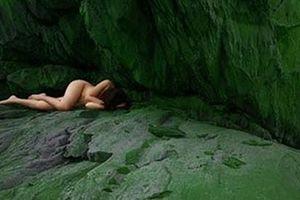 Showbiz 13/6: Triển lãm ảnh nude 18+ được cấp phép