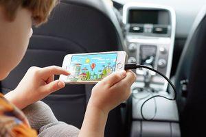 Chọn bộ sạc smartphone trên ô tô giúp tiết kiệm thời gian