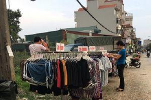 Quần áo bán vỉa hè: Ham 'Giá rẻ như cho' rồi 'rước họa' vào thân