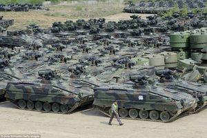 Choáng ngợp trước những 'nghĩa địa xe tăng' quy mô cực lớn của NATO