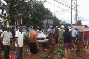 Đắk Nông: Tai nạn nghiêm trọng, ô tô tải tông nát ô tô con