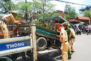 Hơn 4.000 xe 3 bánh tự chế vẫn tung hoành ở Hà Nội