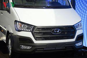 Hình ảnh chi tiết Hyundai Solati - đối thủ của Ford Transit tại Việt Nam