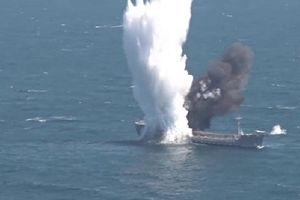 Hải quân Thổ Nhĩ Kỳ phóng ngư lôi xẻ đôi tàu chờ dầu trên biển Đen