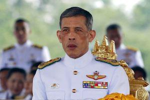 Vua Thái Lan tiếp nhận khối tài sản hơn 30 tỷ USD