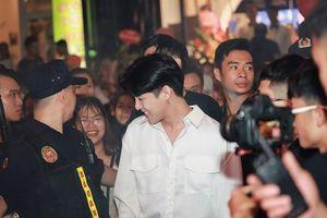 Noo Phước Thịnh và dàn hot teen làm 'náo loạn' cả khu phố Hà thành