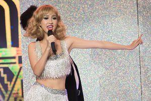 Taylor Swift đến Việt Nam và 'bắn' tiếng Huế khiến khán giả giật mình