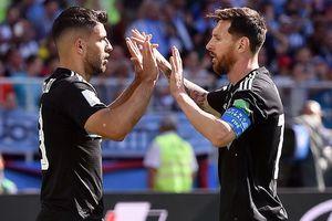 Aguero bênh vực Messi trước búa rìu dư luận