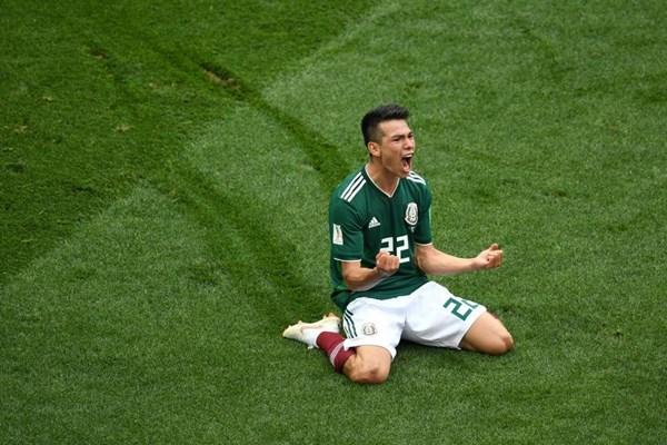 Tại sao cầu thủ Mexico ghi bàn vào lưới đội tuyển Đức có biệt danh là Chucky?