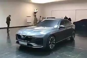 Hai mẫu ôtô của Vinfast lộ ảnh thực tế ở Italy