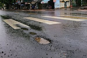 Đắk Lắk: Khắc phục 'đường gần 80 tỷ vừa làm xong đã hỏng'
