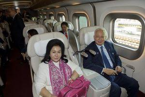 Cựu Thủ tướng Malaysia bênh vợ, phủ nhận chuyện tham nhũng