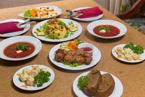 Muốn ăn đồ Nga tại Việt Nam, ghé ngay mấy nhà hàng này