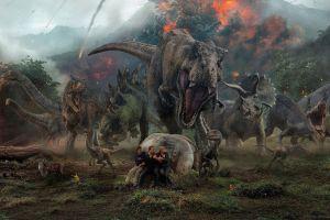 Còn ai ngoài bầy khủng long có thể cản bước phim siêu anh hùng?