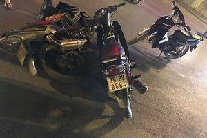 Thanh niên vượt đèn đỏ, gây tai nạn nghiêm trọng tại ngã tư cầu Trắng – Hà Đông