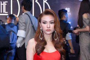 Ca sĩ Thu Thủy xuất hiện với gương mặt khác lạ tại sự kiện thời trang