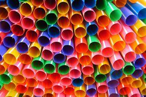 Transcend Packaging sản xuất ống hút bằng giấy thay ống nhựa
