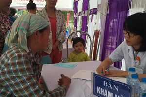 Nhiều bác sĩ trẻ tình nguyện về các vùng khó khăn khám chữa bệnh